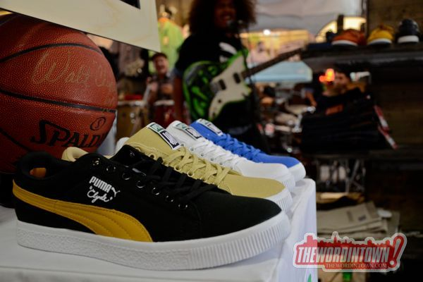 puma-clyde-canvas-undftd-word-in-town