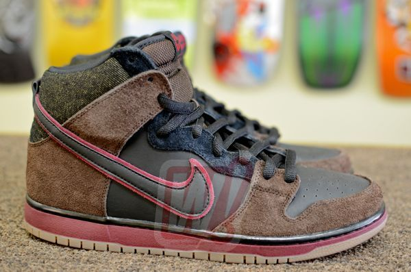 brooklyn-project-nike-dunk-sb-003-word-in-town