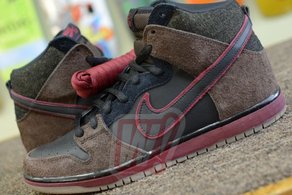 brooklyn-project-nike-dunk-sb-word-in-town