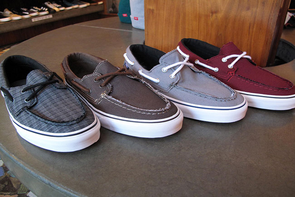 Vans-sapato-del-barco-Footwear-word-in-town