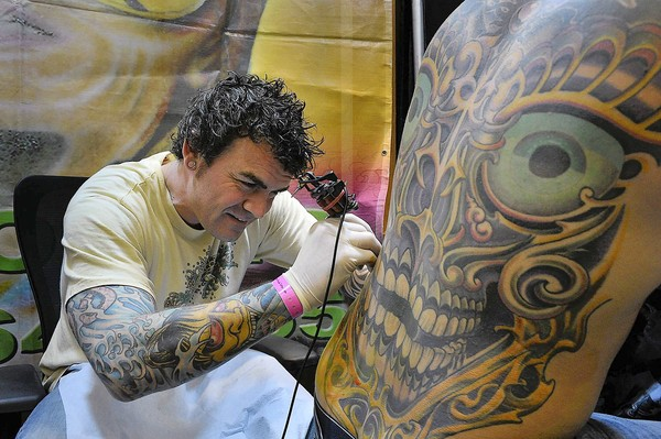 damien-bart-bruce-bart-tattoo-Tattoo-Expo-2011-word-in-town