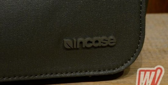 incase-messenger-bag-word-in-town