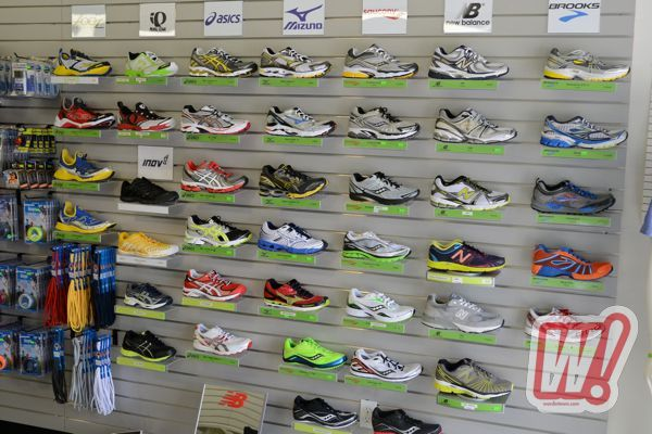 his-footwear-wall-irun-word-in-town
