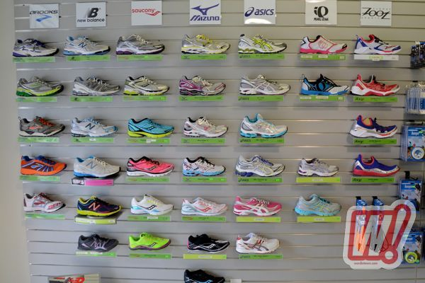 hers-footwear-wall-irun-word-in-town