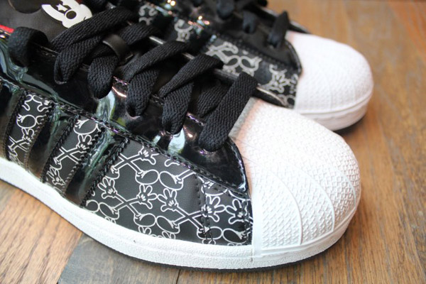 adidas-originals-disney-superstar-II-quick-strike-mickey-Mr-r-sports-miami-2011-word-in-town-2