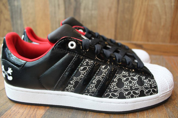 adidas-originals-disney-superstar-II-quick-strike-mickey-Mr-r-sports-miami-2011-word-in-town