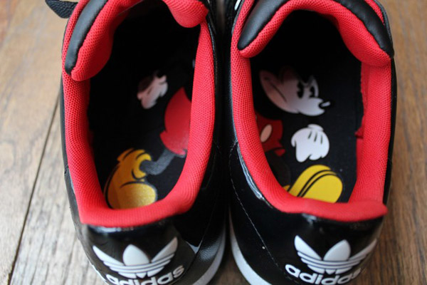 adidas-originals-disney-superstar-II-quick-strike-mickey-Mr-r-sports-miami-2011-word-in-town-6