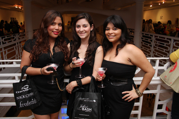 sassy-city-chicks-fashion-bash-miami-october-6-2011-more-building-design-district-word-in-town-1