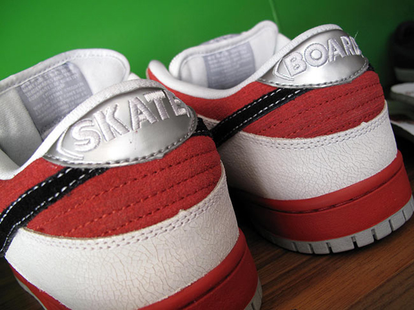 nike-sb-roller-derby-dunk-low-word-in-town-sneakers-culture-life-style-fashion-music-art-interviews-03
