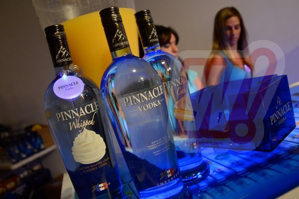 pinnacle-vodka-france-sassy-city-chicks-fashion-bash-miami-word-in-town-life-style-sneakers-music-interviews-art