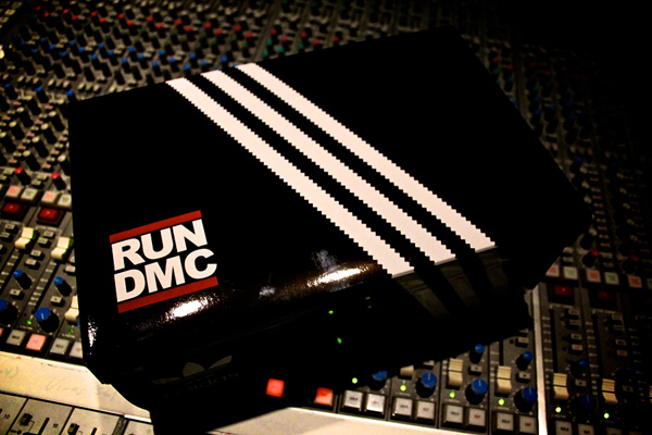 adidas-superstar-80-run-dmc-25-anniversary-word-in-town-sneakers-art-music-interviews