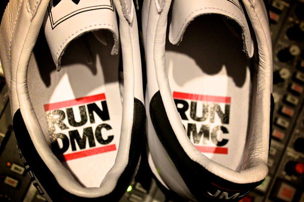 adidas-superstar-80-run-dmc-25-anniversary-word-in-town-sneakers-art-music-interviews-04