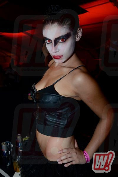 black-swan-back-in-black-go-big-halloween-2011