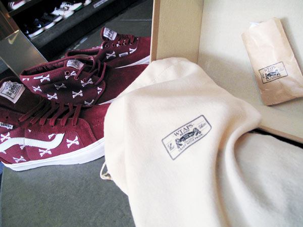 Vans-Syndicate-WTAPS-bones-pack-packaging-footwear-sneakers-word-in-town