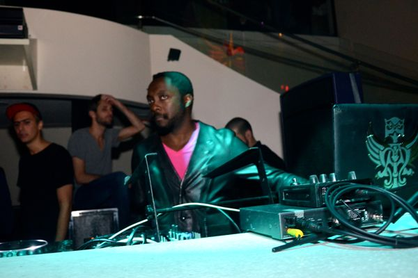 will.i.am-Miami-after-concert-party-word-in-town