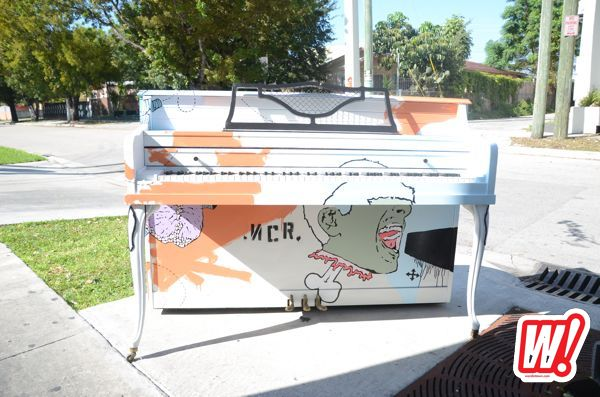 street-piano-art-basel-gigi-now-2011-wynwood-word-in-town