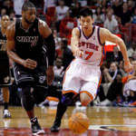 Heat-contain-Lin-roll-to-8th-straight-win-102-88-3357380