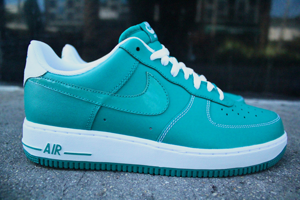 Nike-air-force-one-lush-teal