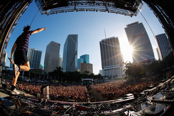 ultra-2012-stage-view-via-ultra-facebook-page