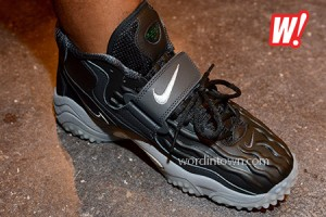 Nike-Air-Zoom-Turf-Jet-97-Brett-Favre-football-right-foot-2013-on-feet-kicks-footwear