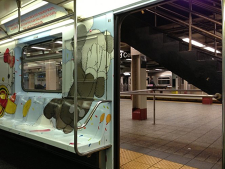 kaws-mta-subway-thanksgiving-parade-train-subway-artist-street-art-new-york-1