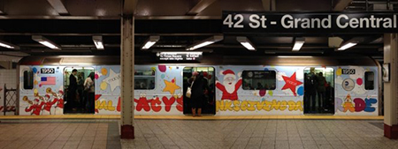 kaws-mta-subway-thanksgiving-parade-train-subway-artist-street-art-new-york-4
