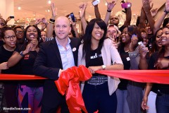 hm-aventura-mall-countdown-to-the-opening-friday-december-14-2012-miami