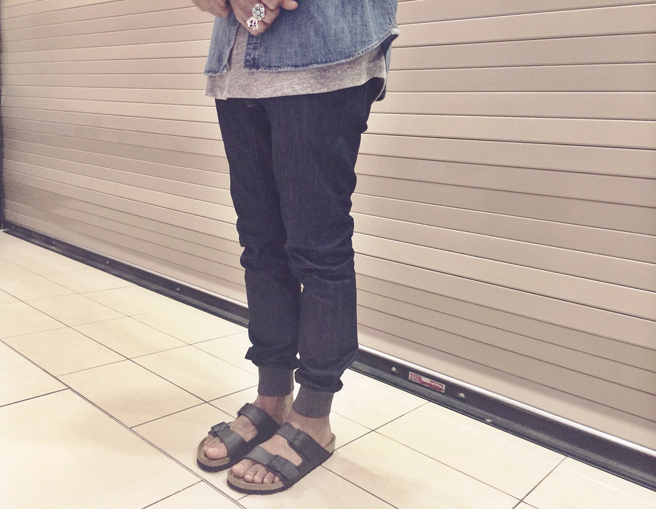 Zanerobe-dynamo-denim-indigo-menswear-style-fashion-1-word-in-town-levis-men-john-elliott-co-birkenstocks