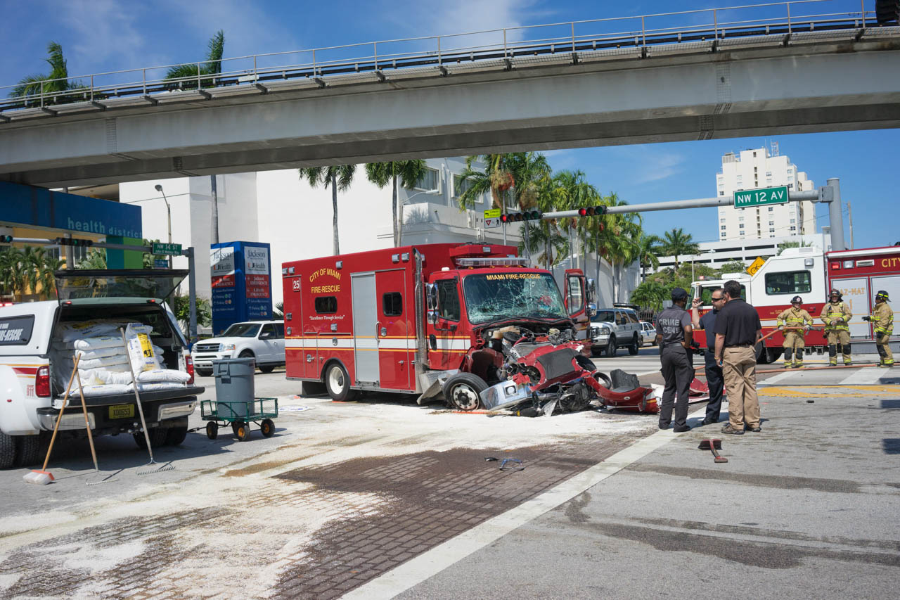 wordintown-accident-miami-health-district-downtown-photography-jay-romero-photography-2015-3
