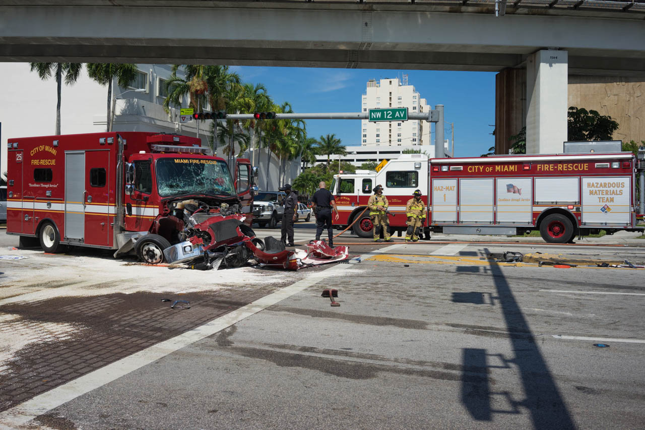 wordintown-accident-miami-health-district-downtown-photography-jay-romero-photography-2015-9