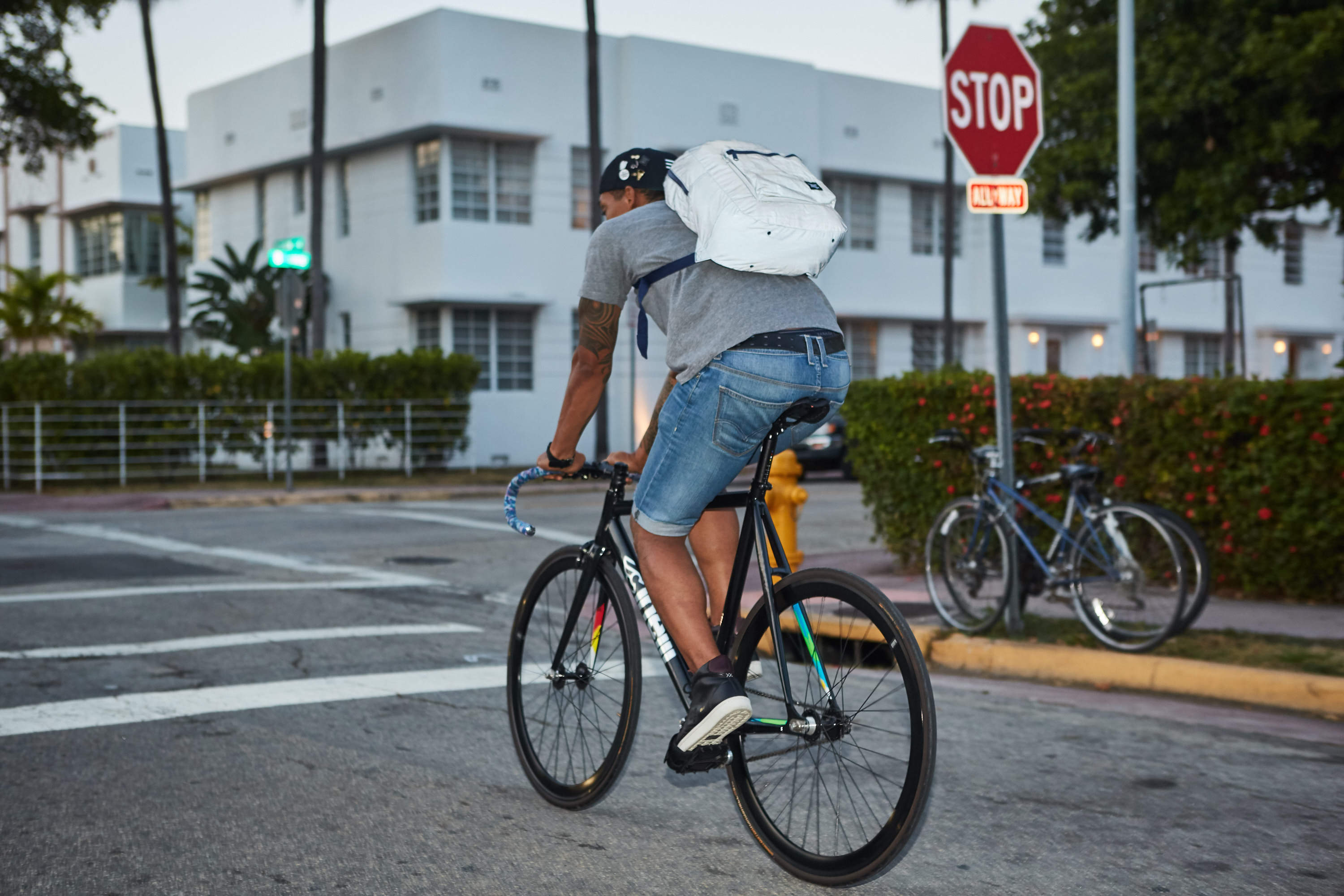 herschel_supply_co_wordintown_copyright_cinelli_levis_convers_fixed_gear_fixie_bycicles_2
