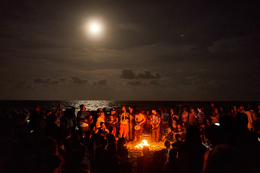 june_solstice_drum_circle_beach_night_full_moon_wordintown_jayromero_photography_fun_night_sand_1