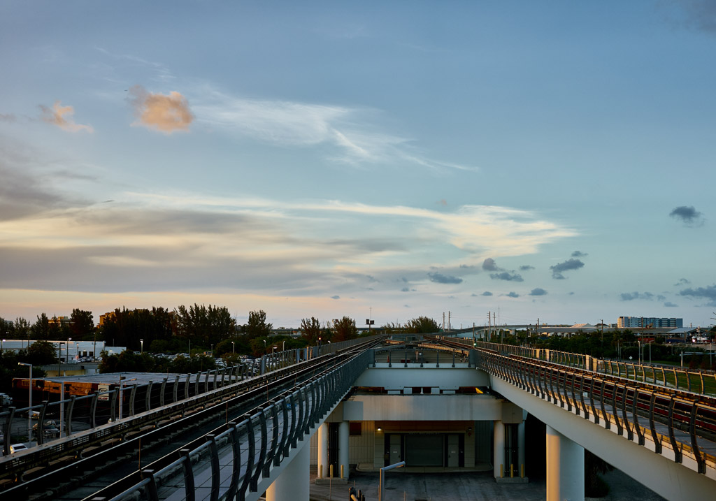 MIA_international_airport_metrorail_Photogrpahy_landscapes_Miami_jayromero_photography_wordintown_copyright_material_2016_1