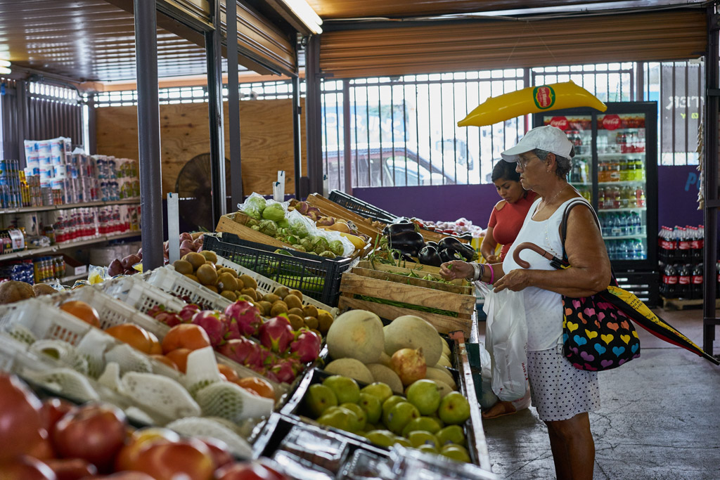 Oasis_Fruit_Market_Wordintown_Jayromero_photography_Miami_copyright_13