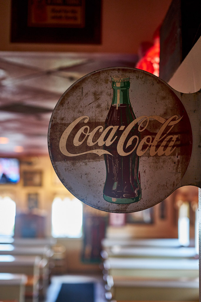 Robs_BBQ_Davie_Food_porn_signs_coca_cola_pickers_vintage_signs_bbq_food_Davie_FL_wordintown_jayromero_photography_copyrignts_beans_cole_slaw_foodie_6