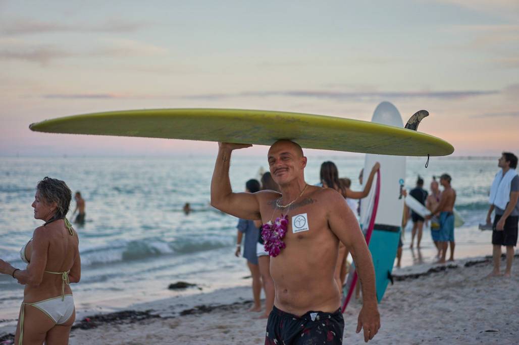 surf_like_bird_miami_beach_paddleout_wordintown_community_surf_jayromero_photography_3