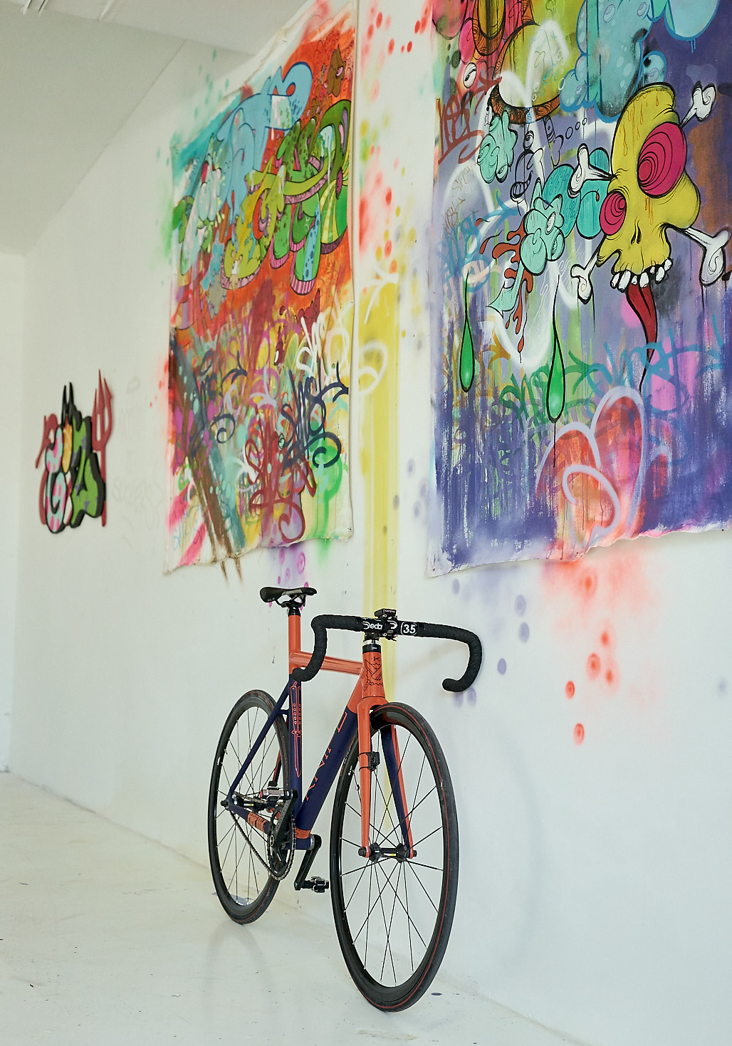 Hausammann_Gallery_Knife_Bike_Miami_JRomero_Wordintown_Wynwood_Jan_2017_9