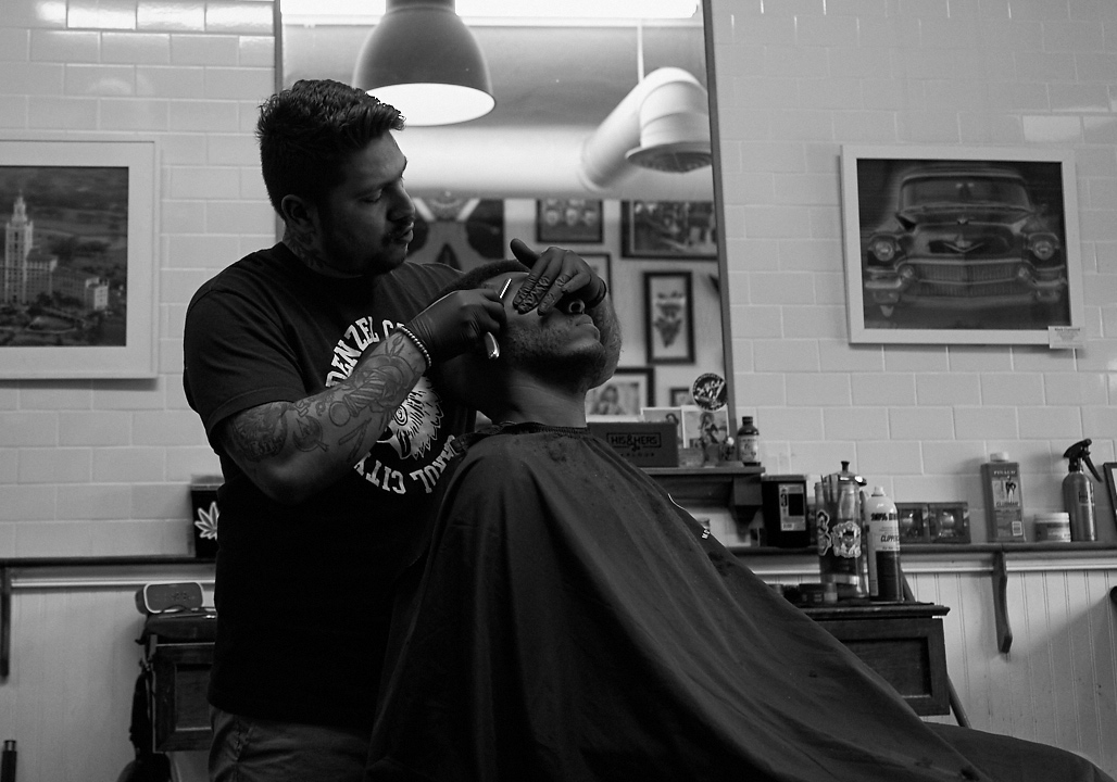 his_and_hers_parlour_barber_shop_salon_jose_romero_photography_wordintown_hamlet_1